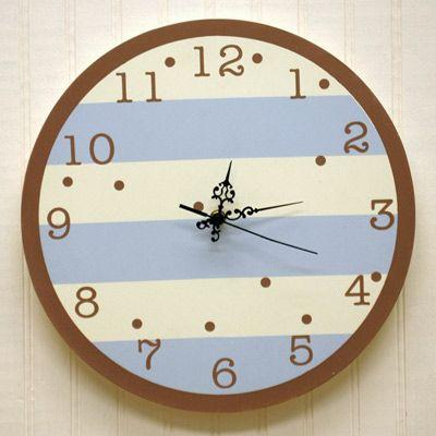 Cool clock http://tinyurl.com/7xqvxrp