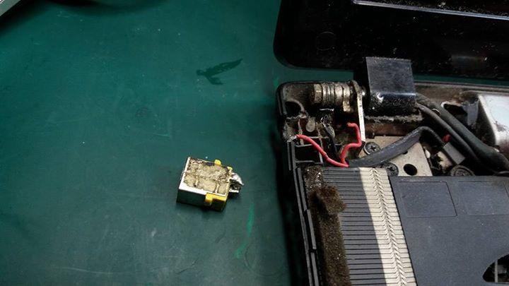 Acer Aspire 5742-6458 Daño jack de carga( ver fotos) De Franco Loaiza... Reparaciones de laptops con garantía #electronics #mobiles #mobilesaccessories #laptops #computers #games #cameras #tablets   #3Dprinters #videogames  #smartelectronics  #officeelectronics