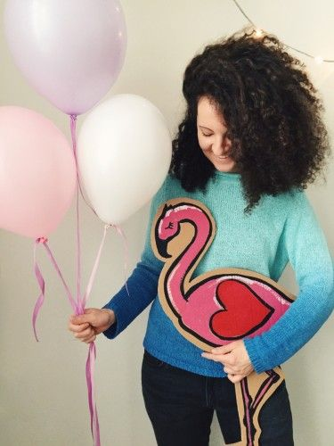 Valentine's day surprise idea: tender colors balloons and cardboard flamingo