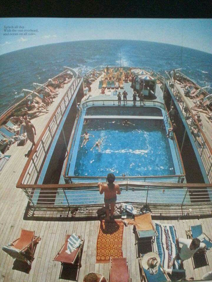 One of my absolute favourite views, the pool and starlight disco area, aft, aboard Fairstar!
