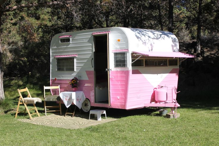The pearl de vere welcome to cowgirl cabins central oregon for Cabin a camper for sale