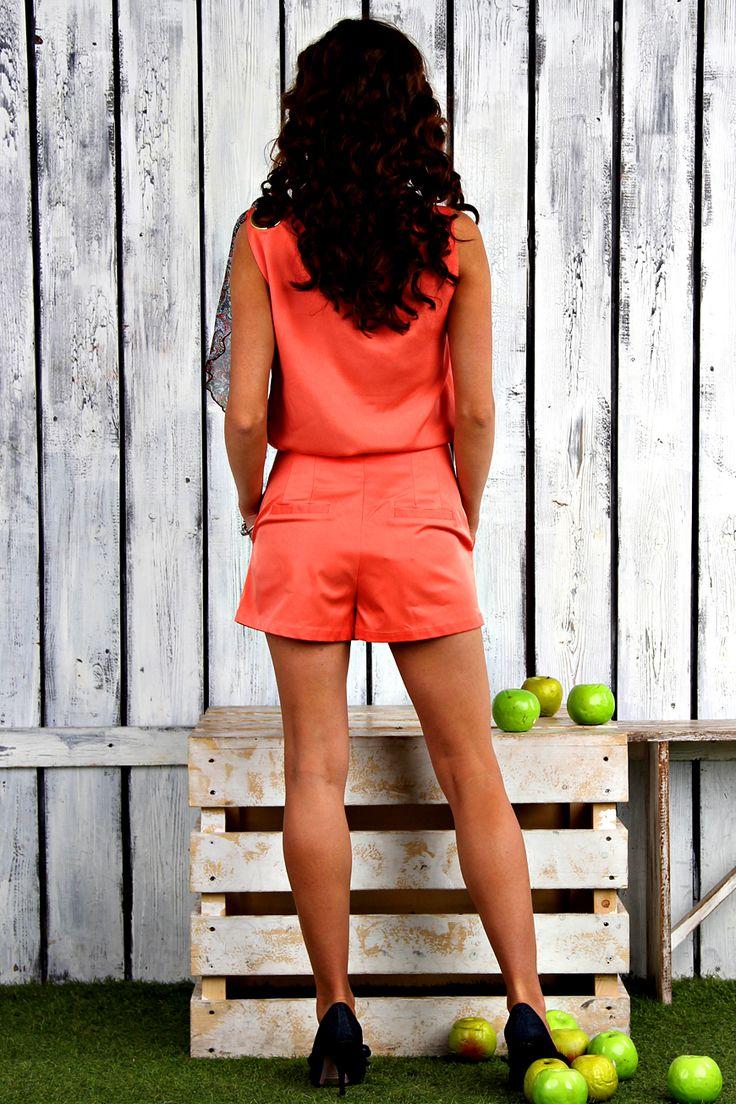 Красные шорты Kristina