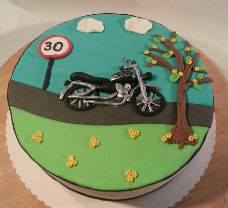 die besten 25 motorradkuchen ideen auf pinterest dirt bike kuchen fahrradkuchen und. Black Bedroom Furniture Sets. Home Design Ideas