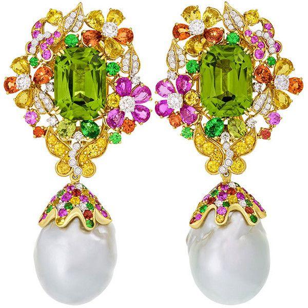 Margot Mckinney Jewelry Papillon Pearl Drop Earrings with Peridot (3.514.700 RUB) ❤ liked on Polyvore featuring jewelry, earrings, 18 karat gold earrings, butterfly earrings, white drop earrings, white earrings and white flower earrings