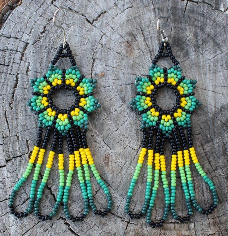 Puntada de peyote verde vidrio amarillo por MiCasitaDeChaquira