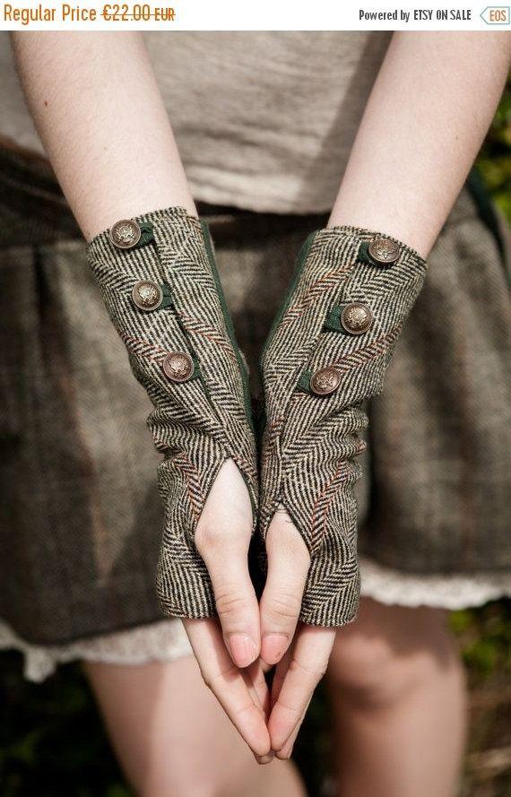 Wristwrmers, Fingerless gloves, green gloves, Tweed, wristwarmer, Rustic, Steampunk, wristwarmers, With brass buttons, Folk wristwar by CELTICFUSIONDESIGN