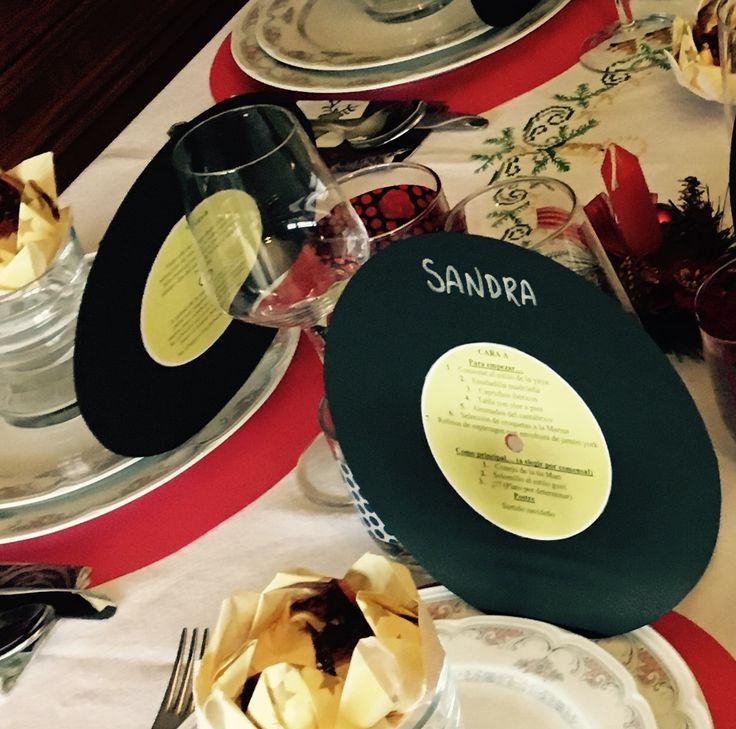 Decoración para la mesa. Menú en forma de vinilo #vinilo #mesa #decoracionmesa #detalles