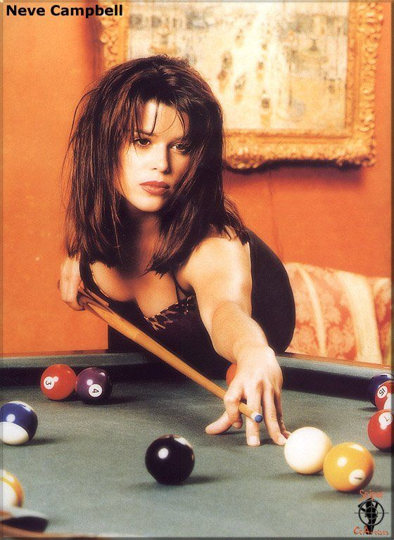 Neve campbell pool scene