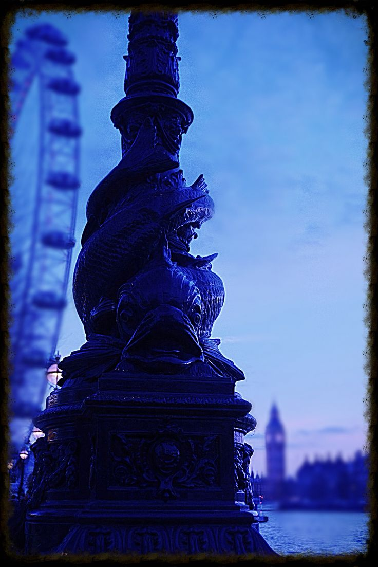Love London Embankment. Sunset. Big Ben. London Eye