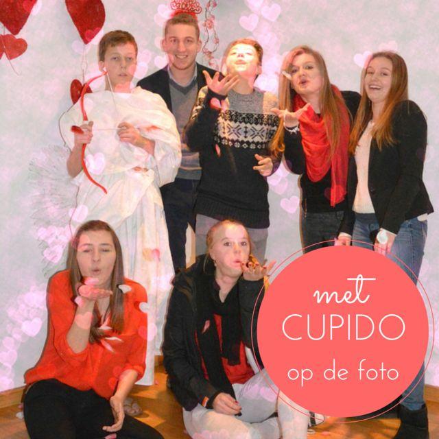 Cupido-fotoshoot van leerlngenraad Klein Seminatie Hoogstrateb , leuk ideetje van de leerlingenraad! Het hele album staat op http://on.fb.me/1vy1uio
