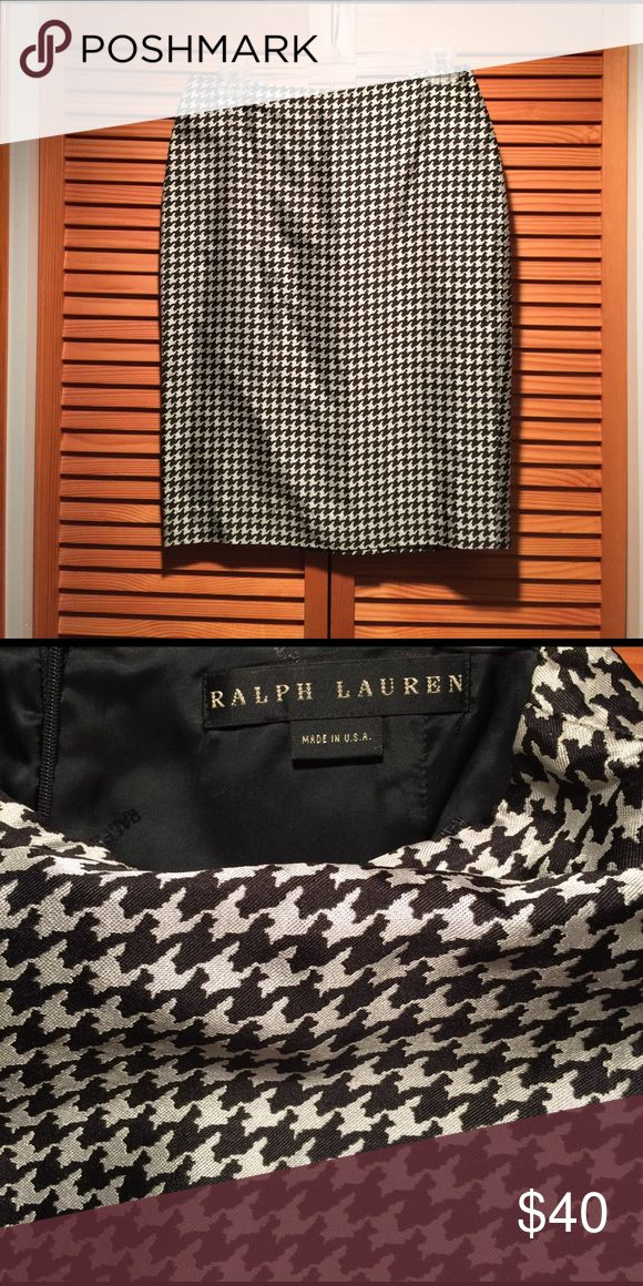 Ralph Lauren pencil skirt 100%silk houndstooth pencil skirt as part of Ralph Lauren suit collection. Beautifully made, timeless and classic Ralph Lauren Skirts Pencil
