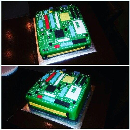 Computer Motherboard Cake www.instagram.com/blissfullybaked