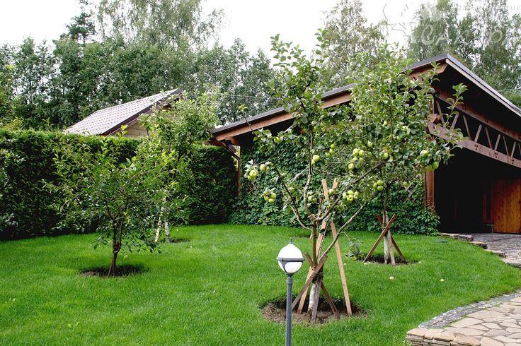 Садовый уголок
