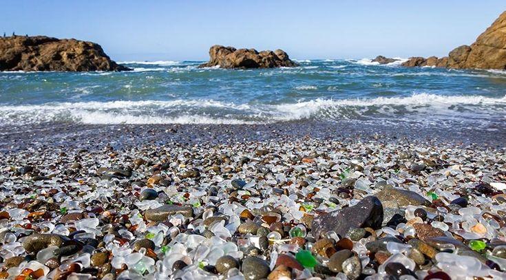 Dünyanın en sıradışı kumsalları   Kumsal deyince aklımıza ilk olarak sarı-beyaz kumlar üzerinde dans eden dalgalar gelse de, dünyada rengi ve hatta şekliyle alışılmışın çok dışında olan plajlar da bulunuyor.   Her yerde görmeye alışık olmadığımız bu kumsalların en büyük farkı sıradışı kum renkleri. Kumlar genellikle dalgaların... http://www.xn--yoldaym-wfb.com/dunyanin-en-siradisi-kumsallari.html  #Dünyanın, #En, #Kumsalları, #Sırad