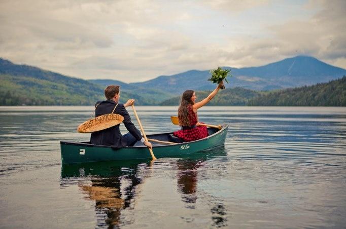 elopement by canoe!