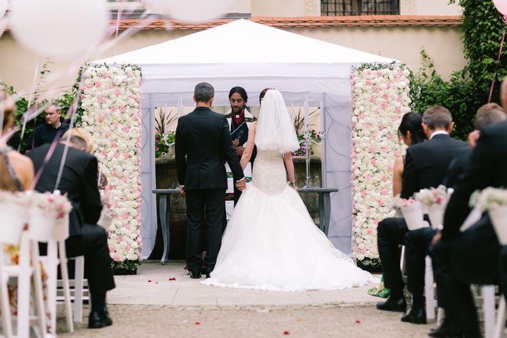Wedding ceremony gazeboo in Prague