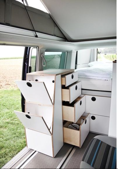 Bett Mobil - The Bett Mobil is a module that can be inserted into the Volkswagen Multivan to convert into a modular and ultra-versatile camper van. The module i...