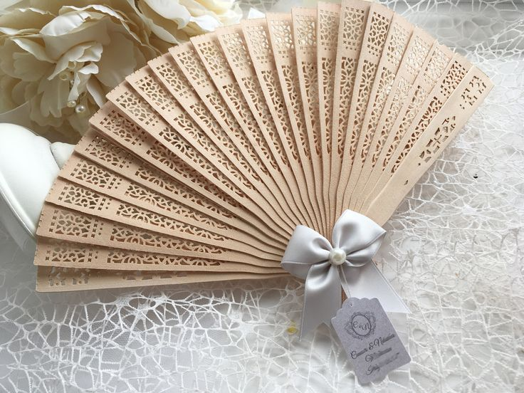 Summer Wedding Hand Fan Guest gift with personalised tag, Sandal wood fan, Wedding favour gift, Wooden Fans set of 10 by DreamCraftbyLucy on Etsy