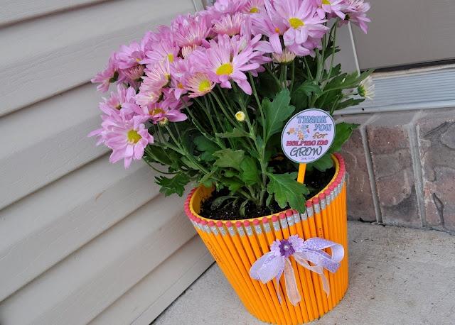 Teacher Appreciation: Teacher Gifts, Dollar Stores Crafts, Teacher Appreciation, Gifts Ideas, Flowers Pots, Teacher Presents, Diy Gifts, Handmade Gifts, Hands Made Gifts