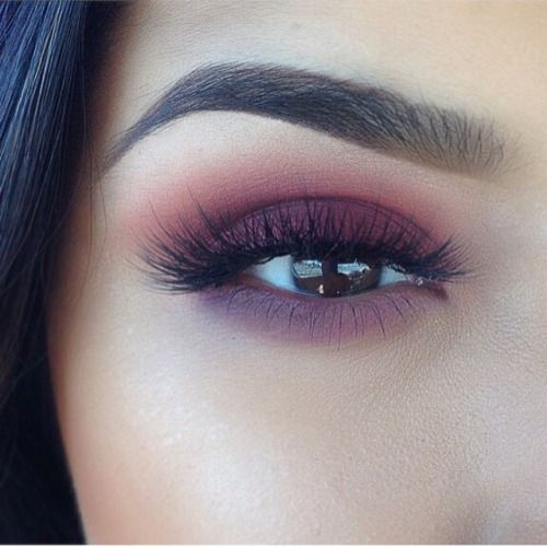 Beautiful purple smokey eye gradient for date night! Use L.A.B.² cruelty-free eye shadow brushes to recreate this look! → lab2beauty.com