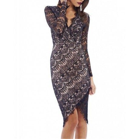 Czarna koronkowa sukienka ołówkowa asymetryczna z długim rękawem