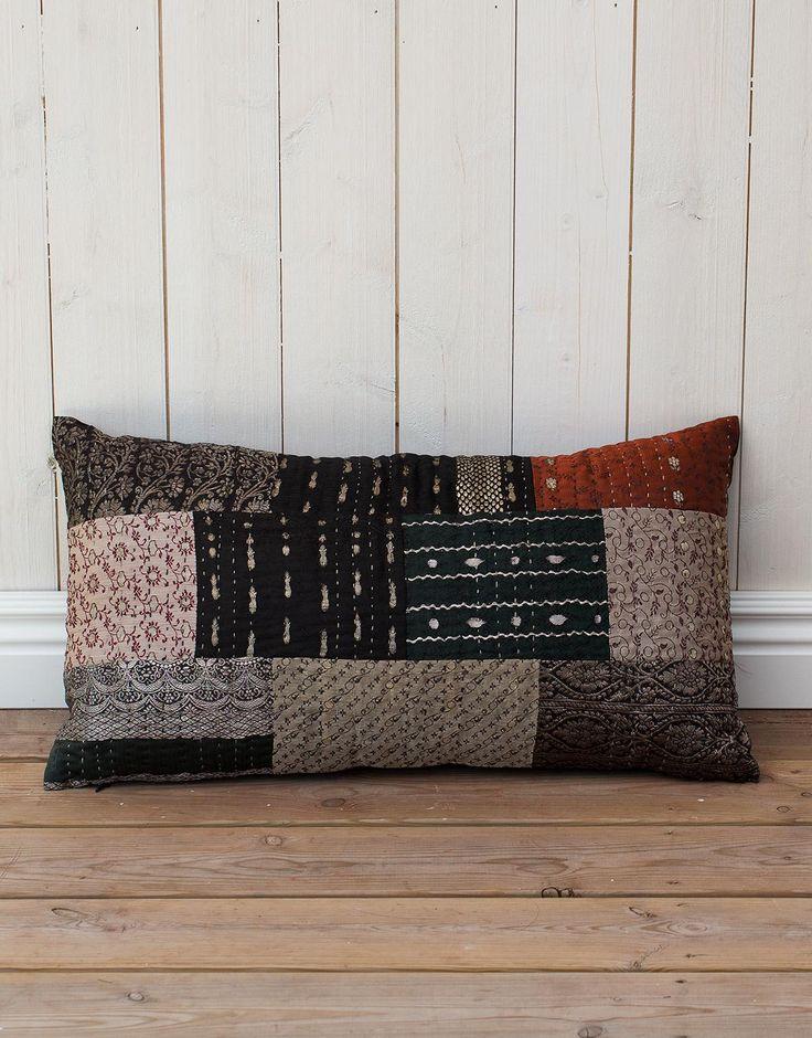 SAZA cushion black