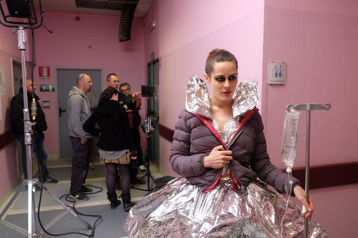 Per ricominciare a realizzare backstage fotografici. L'ultimo mio lavoro sul set del video Specchio dei Subsonica. http://www.mbphoto.it/subsonicaspecchio/