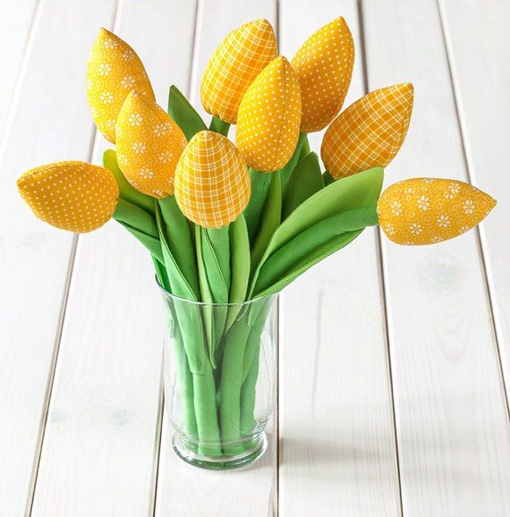 Шьем тюльпаны из ткани. Мк Юлии Сазоновой.   24 фотографии
