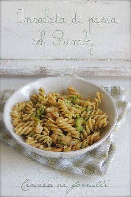 Insalata di pasta con pesto, zucchine e gamberetti col Bimby #ricetta di @cceccolin