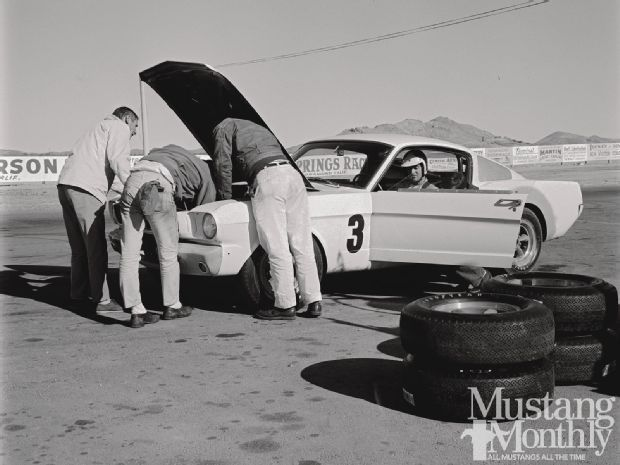 Track Test Shelby G.T. 350 Photo & Image Gallery