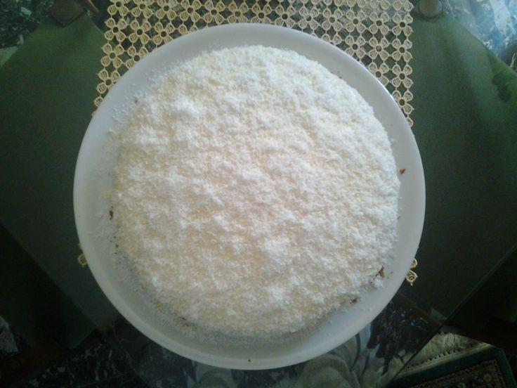 Torta Raffaello, preparata per il compleanno di mia madre, amante del cocco e del cioccolato bianco! Squisita!