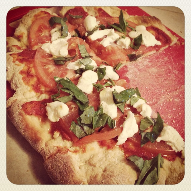 Tomato basil goat cheese pizza | RECIPES/DINNERS | Pinterest