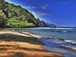 Hawaii Travel Guide - Pick An Island And Look At All The Fun Stuff To Do, Where To Stay, Where To Eat, When The Best Time To Travel Is And More Awesome Vacation Planning Tips!