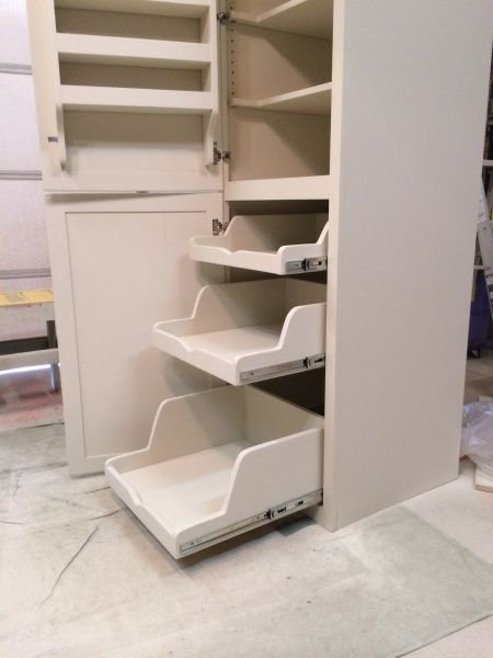 Custom-Made Pantry from the Kreg Owners' Community {KregJig.Ning.com}