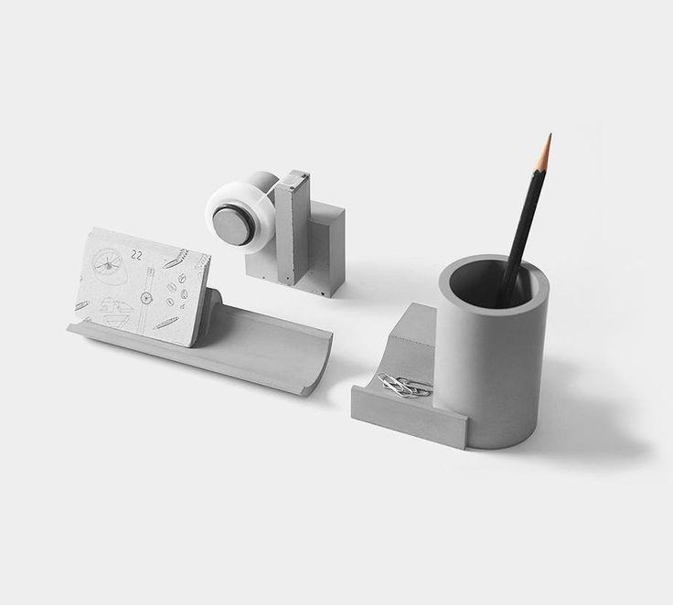 Der perfekte Beton-Look auf deinem Schreibtisch: Tesa Roller, Stifteköcher und Kartenhalter. Hier entdecken und shoppen: http://sturbock.me/y0f