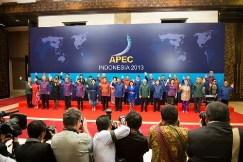 Indonesia berpartisipasi dalam acara APEC 2013 - Saat itu Indonesia diwakili oleh Presiden SBY