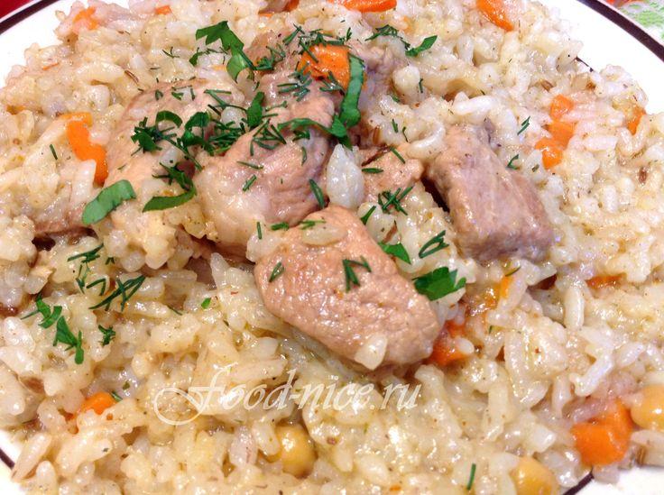 Изящный плов со свининой на сковороде сможет приготовить каждый начинающий кулинар