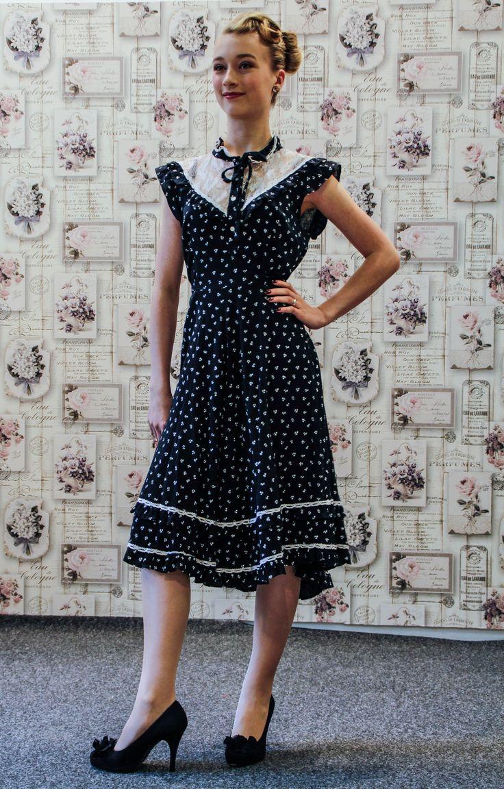 true vintage kleid blau wei 40er jahre vintage mode pinterest vintage. Black Bedroom Furniture Sets. Home Design Ideas