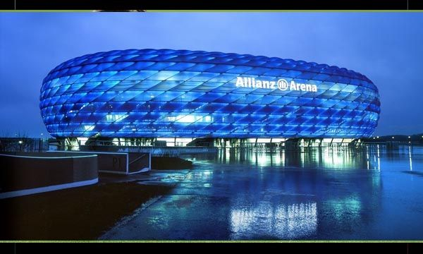Stadion Allianz Arena di  Jerman