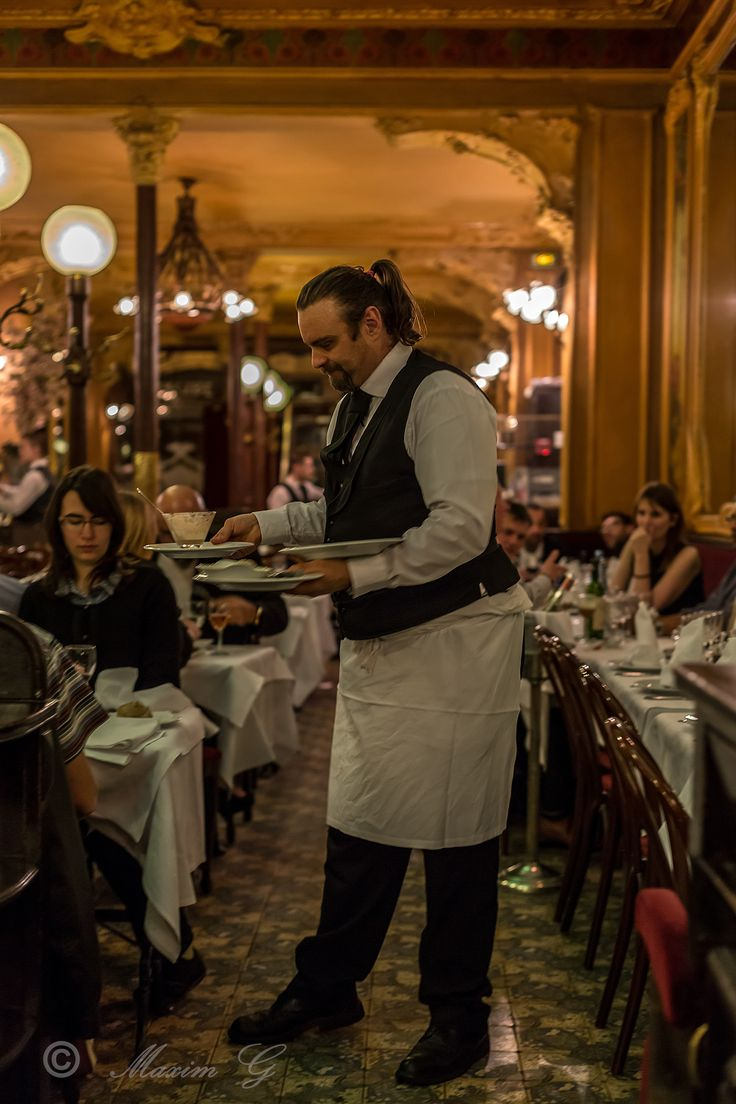 #Paris #restaurant #Julien #http://www.julienparis.com #waiter #food #photography