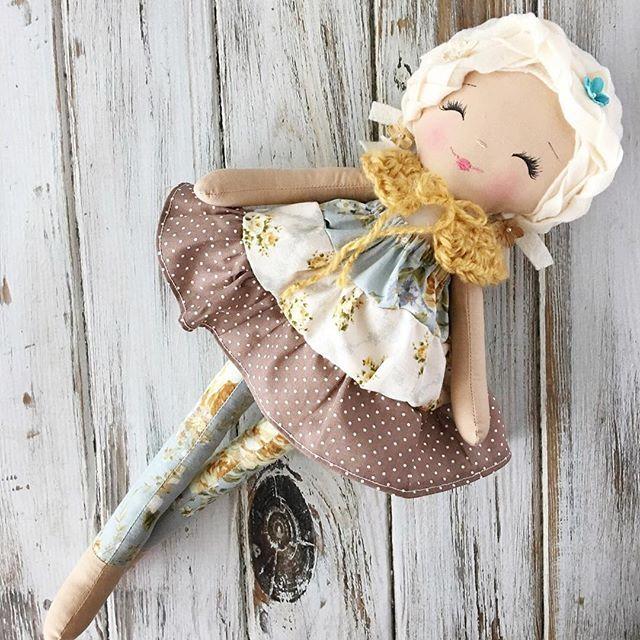 Now Sold -- Loving her sweet, flouncy peasant skirt #spuncandydolls #availablenow #dollmaking #handmaderagdoll #handmadedolls #clothdolls #etsyshop
