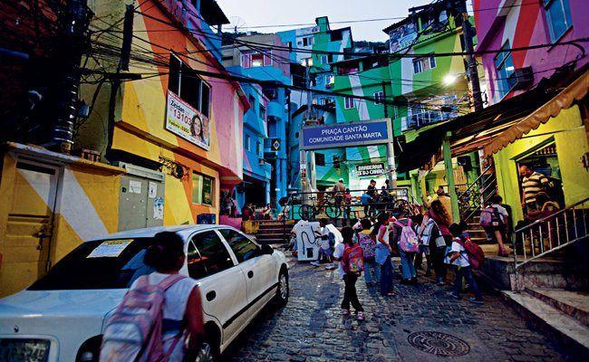 Favelas Painting: Proyek Seni Yang Mendorong Perubahan Sosial di Brazil