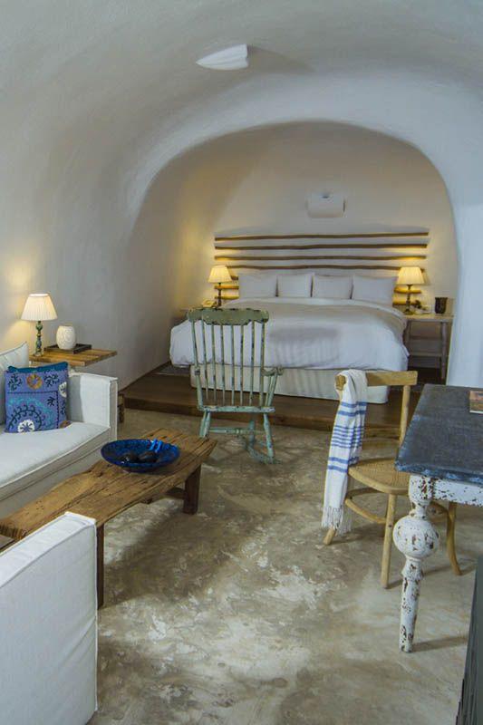 iconic santorini a boutique cave hotel httpwwwmediteraniquecom - Cave Hotel Santorini