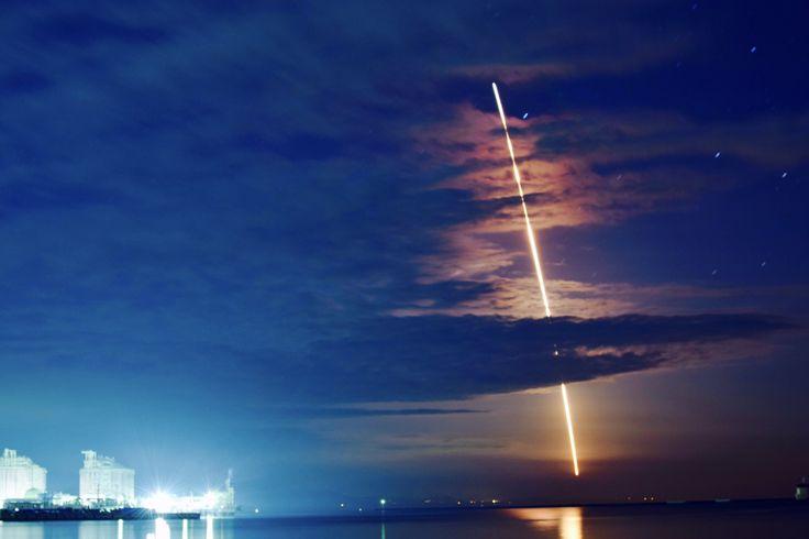 """鮫島雄也さんのツイート: """"イプシロンロケット2号機。 打上げ成功‼️ 写真も成功‼️ おめでとうございます٩(^‿^)۶ #イプシロン #ロケット #内之浦宇宙空間観測所 https://t.co/Z3jSoGox1B"""""""