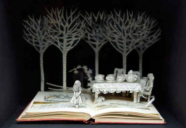 Su Blackwells - Alice, A Mad Tea Party: Book Art, Book Sculpture, Bookart, Mad Hatters, Alice In Wonderland, Mad Teas Parties, Your Blackwell, Paper Sculpture, Aliceinwonderland