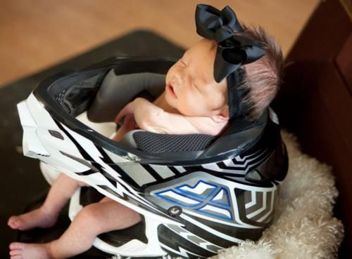 so cute...if Joel has a bike when this one is born :) @Sara Eriksson McDeavitt for baby Hutch!!!!