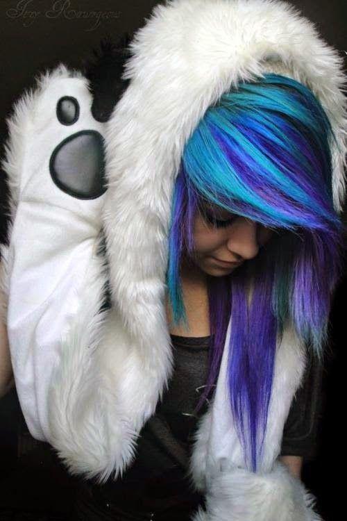 Ola emos e emos girls , hoje eu vim falar de cabelos coloridos       EMOS meninos , podem ate pintar o cabelo mais recomendo isto para menin...