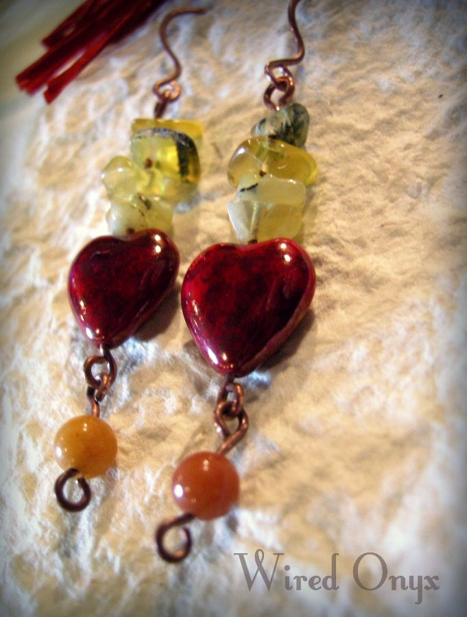 Handmade heart earrings in czeck glass, with jade and labradorite