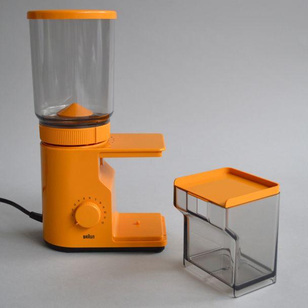 Gotta love the Braun. Their best designs still look effortlessly cool. Braun KMM 10 'aromatic' coffee grinder by Reinhold Weiss and Hartwig Kahlcke, 1975