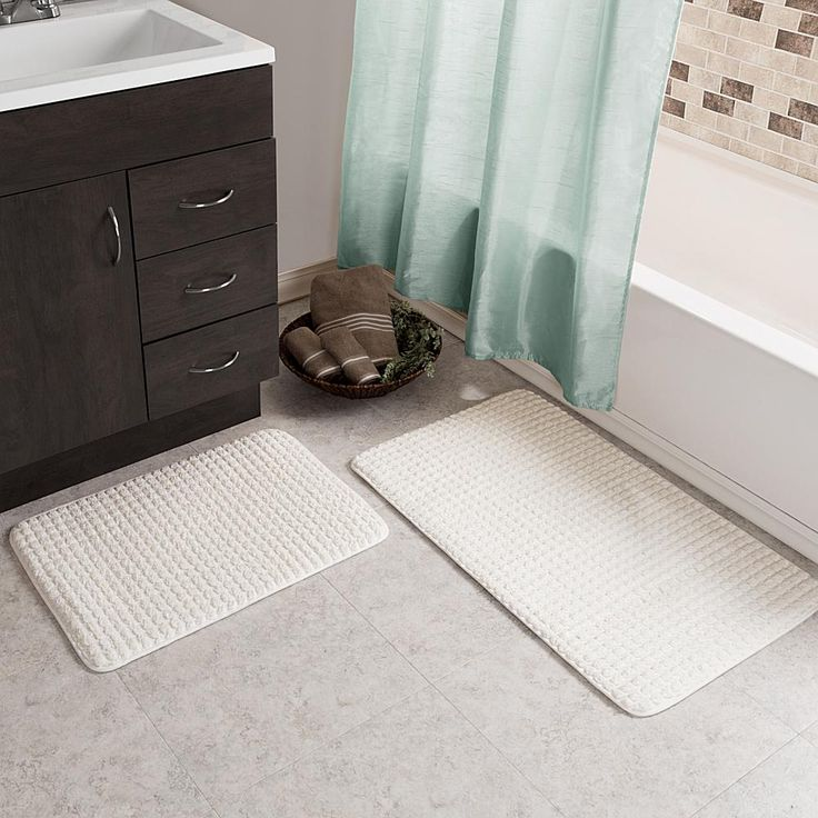 Trademark Global Lavish Home Jacquard Fleece Memory Foam Bath Mat 2-piece Set - White